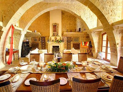 Zurrieq Villa Farmhouse - Sleeps 12